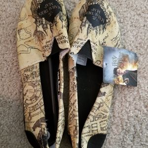 Shoes - Harry Potter Marauder's Map slip on shoes M NWT
